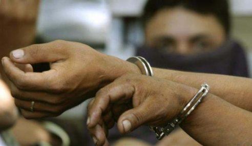 3 Lelaki Disyaki Cuba Mencuri Besi Ditahan
