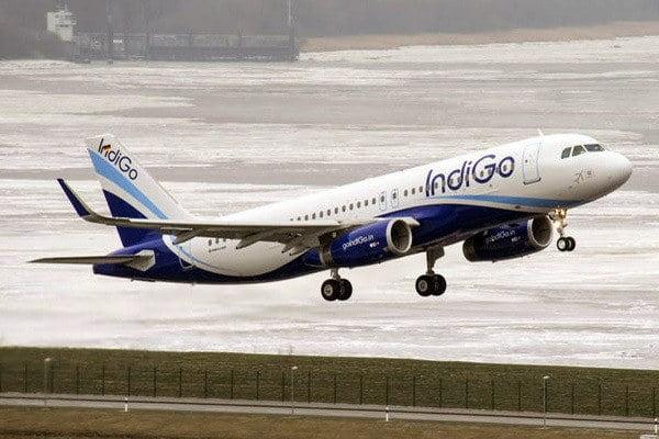 Pesawat India Terbakar Tapi Penumpang Selamat