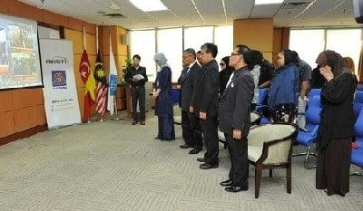 Swasta, GLC Bertafakur Untuk Jenazah MH17