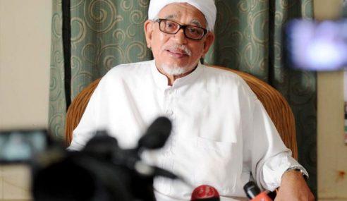 Nama Azmin Timbul Selepas Abdul Hadi Menghadap Sultan Selangor
