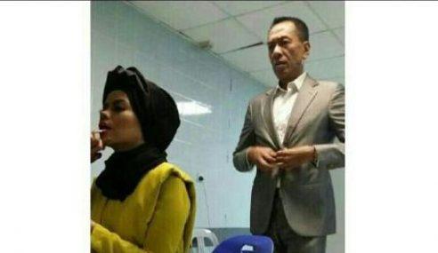 Alyah Guna Gambar Bersama Datuk Ramli MS Di WhatsApp