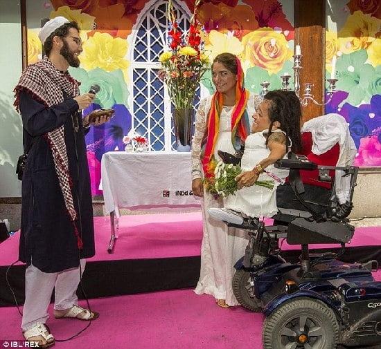 Lesbian Islam Bangga Dikahwinkan Oleh Lelaki Gay
