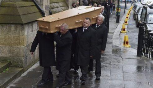 Newcastle Beri P'hormatan Kepada Peminat, Juga Mangsa MH17