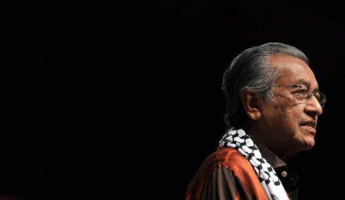 'Saya Hanya Tegur, Bukan Suruh Letak Jawatan' – Dr. M