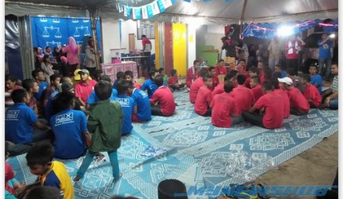 VIDEO : Dikir Barat PRK Pengkalan Kubor Oleh BN Hebat