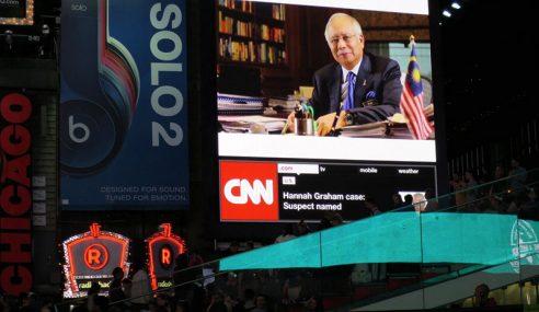 Rakyat Amerika Sambut Kedatangan Najib Di Bandar NY