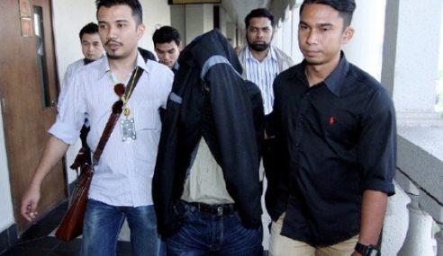 8 Peg. Kastam Dituduh Terima Rasuah RM130,000 Sebulan