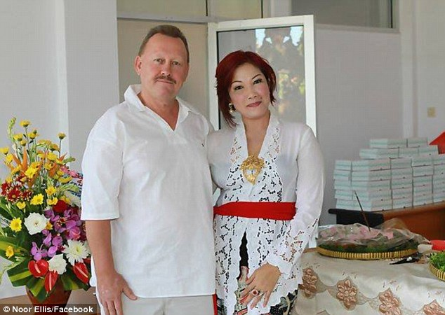 Wanita Indonesia Bunuh Suami Gara-Gara Tak Tahan Ditipu