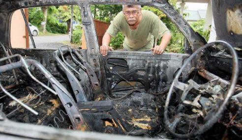 Kereta Milik Pegawai Kastam Hangus Terbakar Angkara Khianat