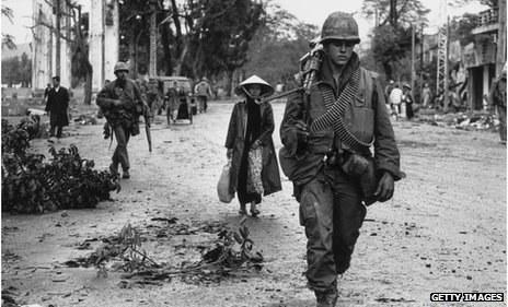 AS Tarik Balik Sekatan Senjata Api Kepada Vietnam