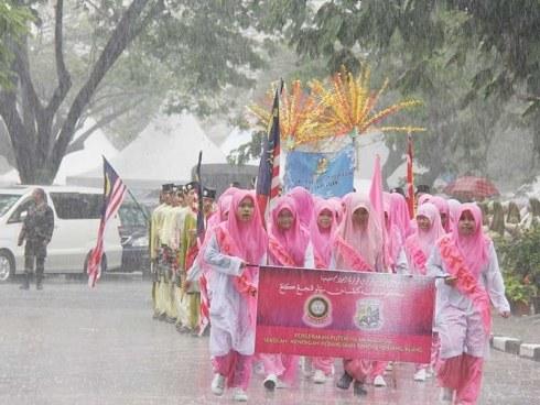 Fenomena Hujan Lebat Diramal Di Pantai Timur