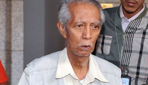 Perbicaraan Kes Kassim Ahmad Ditangguh