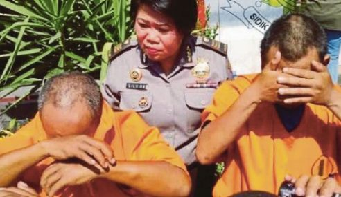 Guru Agama Perkosa Anak, Upah Handphone Tutup Mulut
