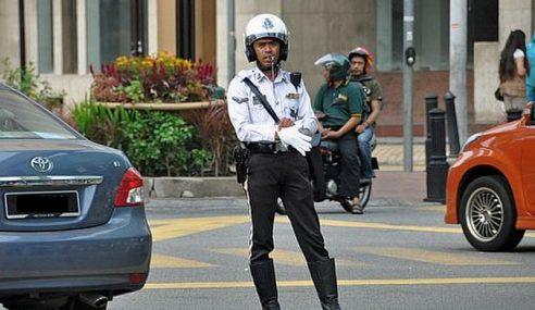 300 Polis Trafik KL Ditugas Kawal Trafik Sempena Ambang Tahun Baharu