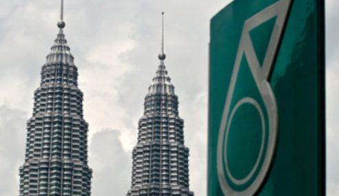 Petronas Beri Sumbangan Kepada Penduduk Lahad Datu