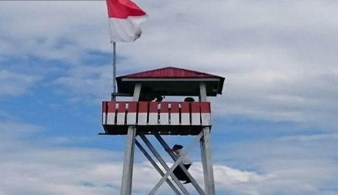Jokowi Panjat Menara Tinjau 18 Meter Tengok Malaysia