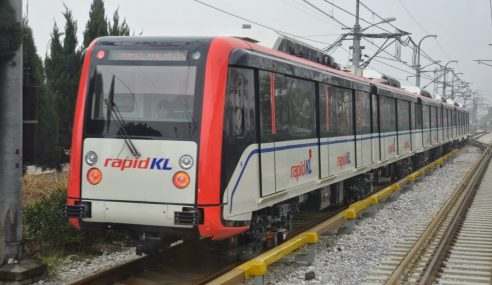 GAMBAR: Tren LRT Terbaharu Dinaik Taraf, Duduk Tak Melungsur