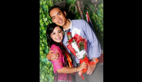Pramugara QZ8501 Sempat Tweet Isteri Sarat Hamil 6 Bulan