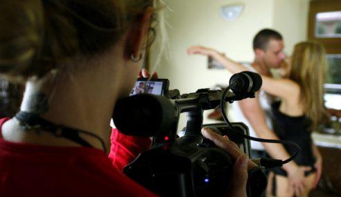 Aktor Wajib Pakai Kondom, Industri Filem Porno California Terjejas