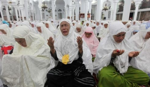 Ribuan Warga Aceh, Mangsa Peringati Sedekad Tsunami