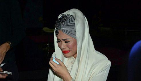 Marahkan 'Orang Ketiga', Alyah Langgar Kereta Audi Ramli MS