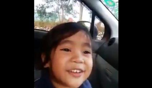 VIDEO: Adik Ni Kata, Cikgu Baik Cakap 'Duduk Sayangggg…'