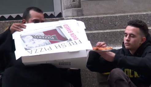 Idea Mulia, Piza Percuma Ihsan Pelanggan Untuk Gelandangan