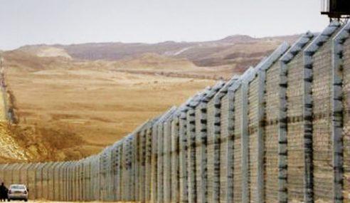 Arab Saudi Bina Tembok 1,000 Kilometer Halang Militan IS