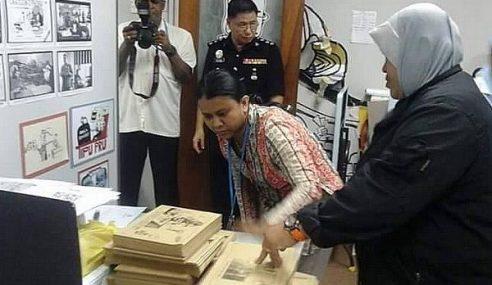 Pejabat Suara Keadilan Diserbu Polis, Rampas Komik Zunar
