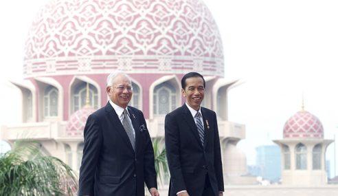 Najib Adakan Pertemuan 4 Mata Dengan Presiden Indonesia