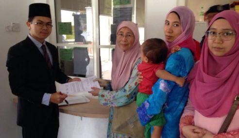 Geng PKR Menikus, Keluarga Mohon Pengampunan Agong