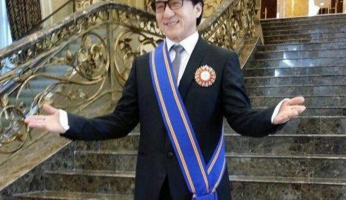 Bintang Antarabangsa, Jackie Chan Kini Bergelar 'Datuk'