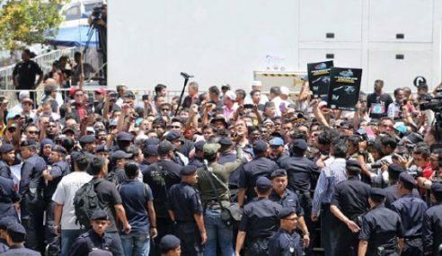 Keadaan Di Istana Kehakiman Terkawal – Polis