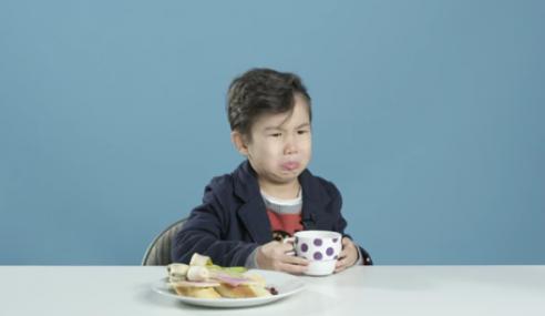 Reaksi Budak-Budak AS Cuba Sarapan Dari Seluruh Dunia