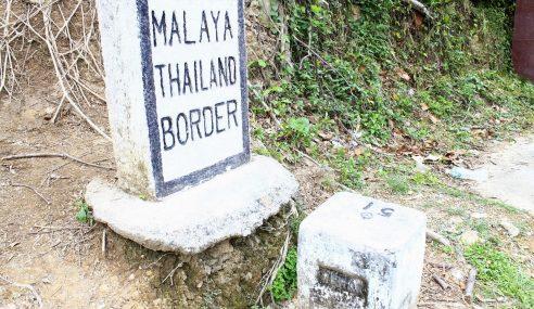 ATM Nafi Pasang Kawat Berduri Di Sempadan M'sia-Thai Di Kelantan