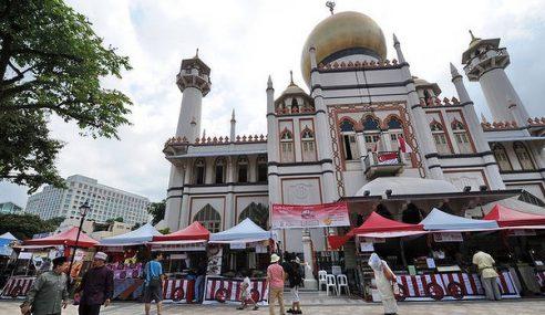 Umat Islam Bertambah, Masjid Meriah Di Singapura