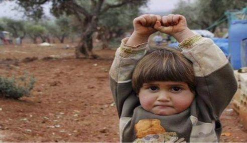 """""""Jangan Tembak Saya!"""" Rayu Spontan Budak Kecil Syria"""