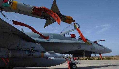 IS: Pesawat Kanada Lancar Serangan Pertama Di Syria
