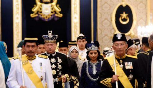 Perayaan Kemahkotaan Sultan Johor Berakhir