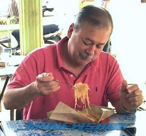 Sempoi Je.. Sultan Johor Makan Bihun Goreng Di Gerai