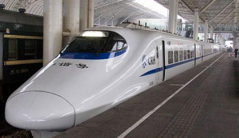 Nenek Silap Naik Tren Laju Tersesat 300km Di China
