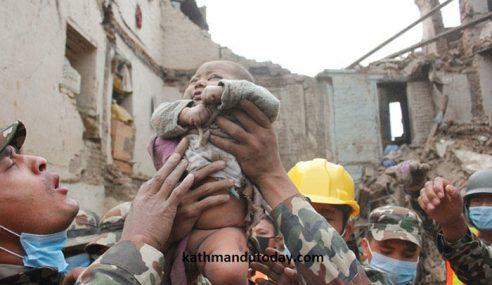 Gempa Bumi Nepal, Bayi Tertimbus Dijumpai Masih Hidup
