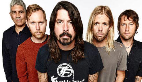 Vokalis Utama Patah Kaki, Foo Fighters Batal Jelajah Di Eropah