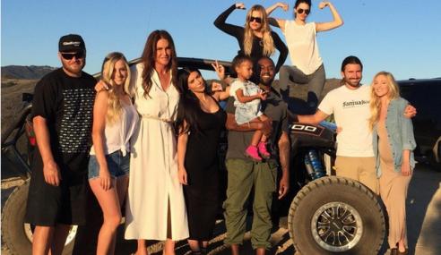 Caitlyn Jenner Sambut Hari Bapa Bersama Anak-Anak