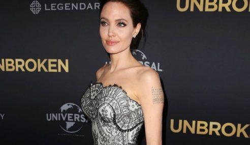 Angelina Jolie Batal Hasrat Ambil Anak Angkat Lagi