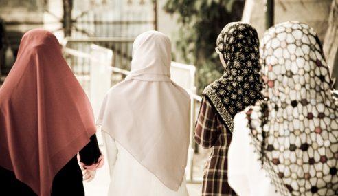 Putar Pandangan Ulama, Sisters In Islam Cakap Rambut Bukan Aurat