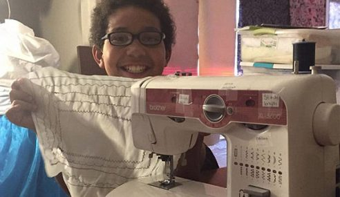 Budak Lelaki Guna Duit Tabung, Jahit Baju Untuk Gelandangan