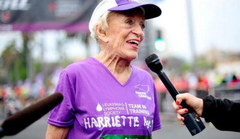 Steady..! Wanita 92 Tahun Berjaya Tamatkan Larian Marathon