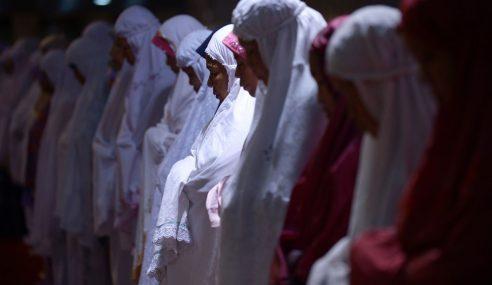 Luahan Hati Wanita India Lihat Umat Islam Pergi Terawih