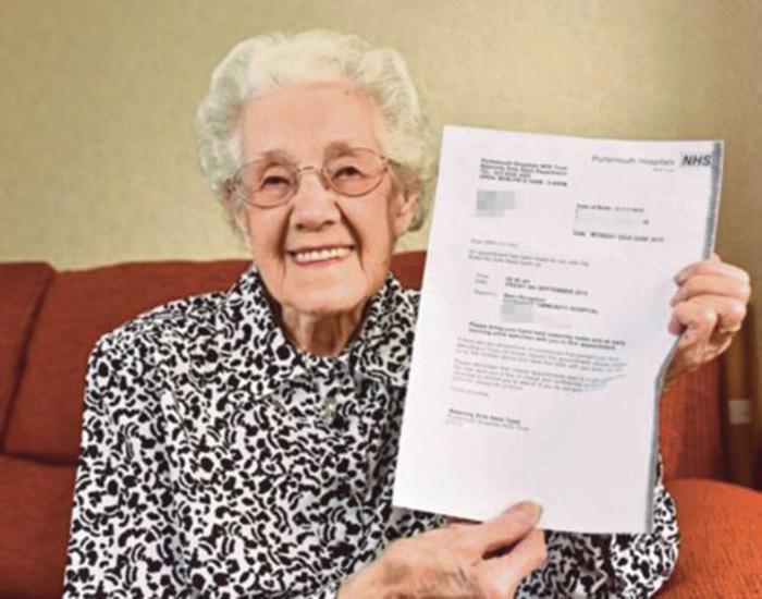 Nenek 99 Tahun Dikatakan Hamil Oleh Pihak Hospital